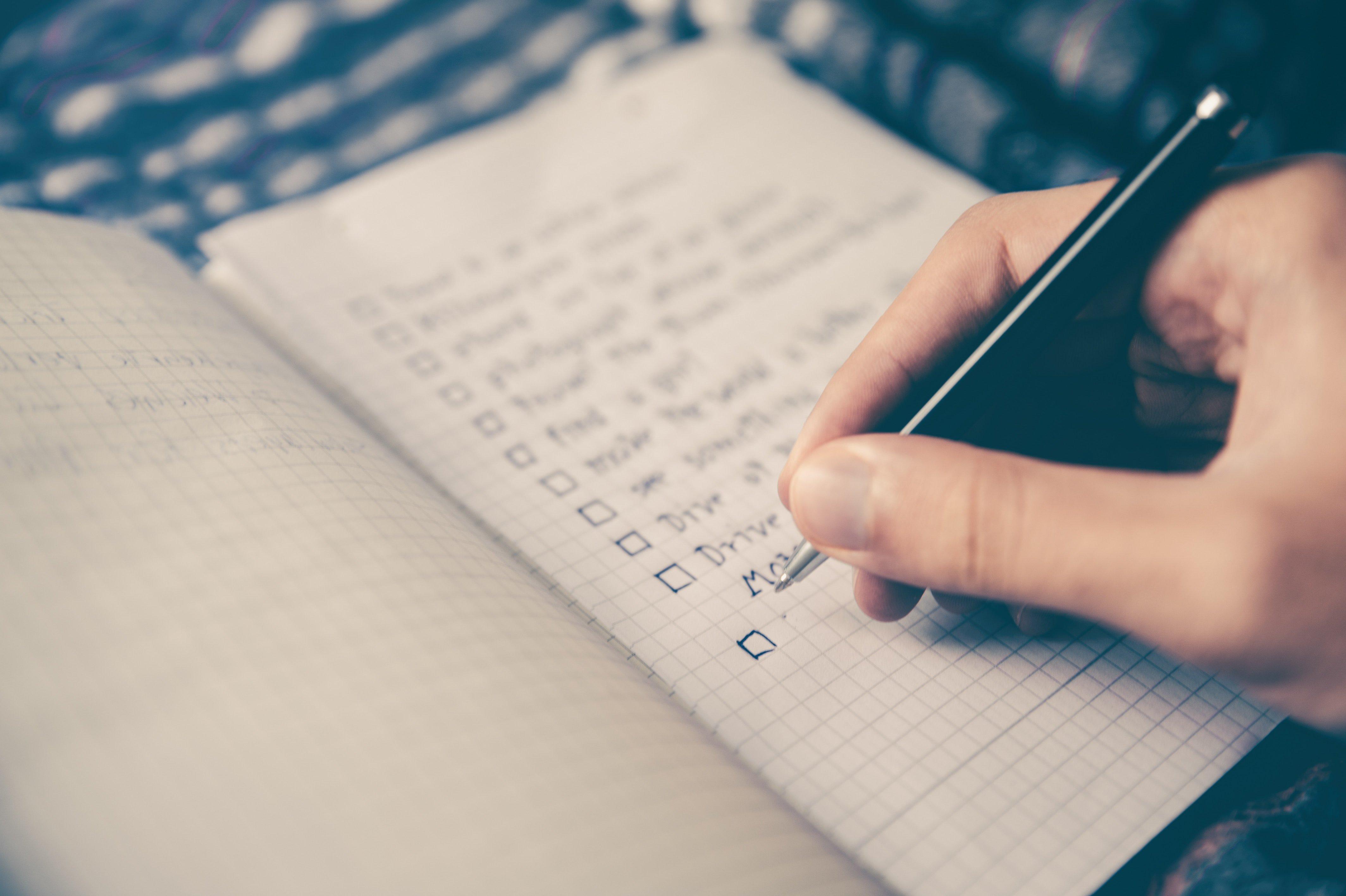 Primero la escaleta : cómo comenzar una novela